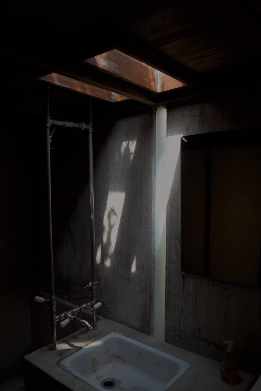 schindler_house_bathroom