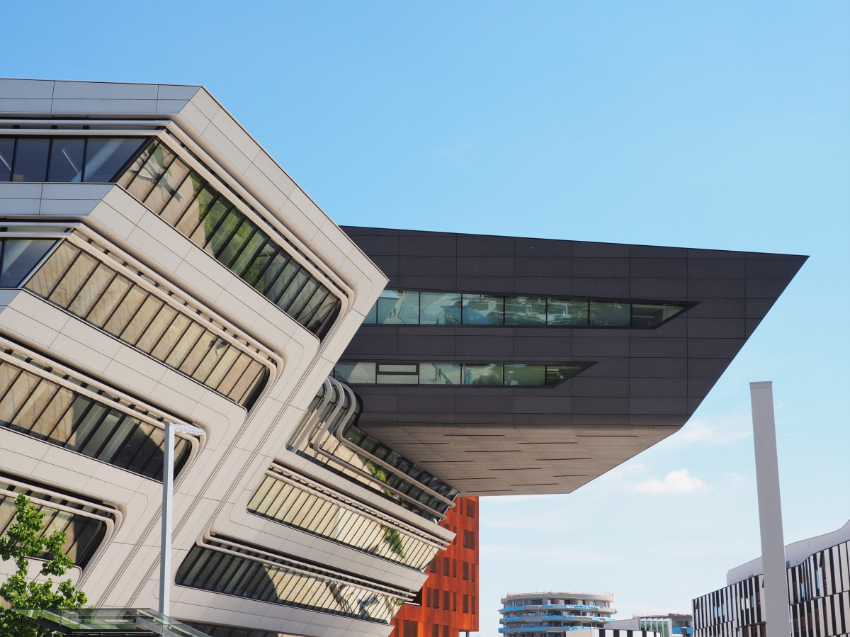 Zaha Hadid – Library & Learing Center